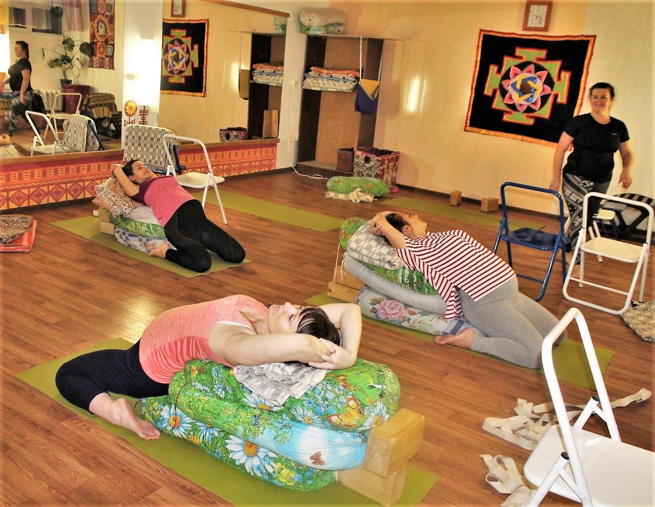 Йога для беременных без